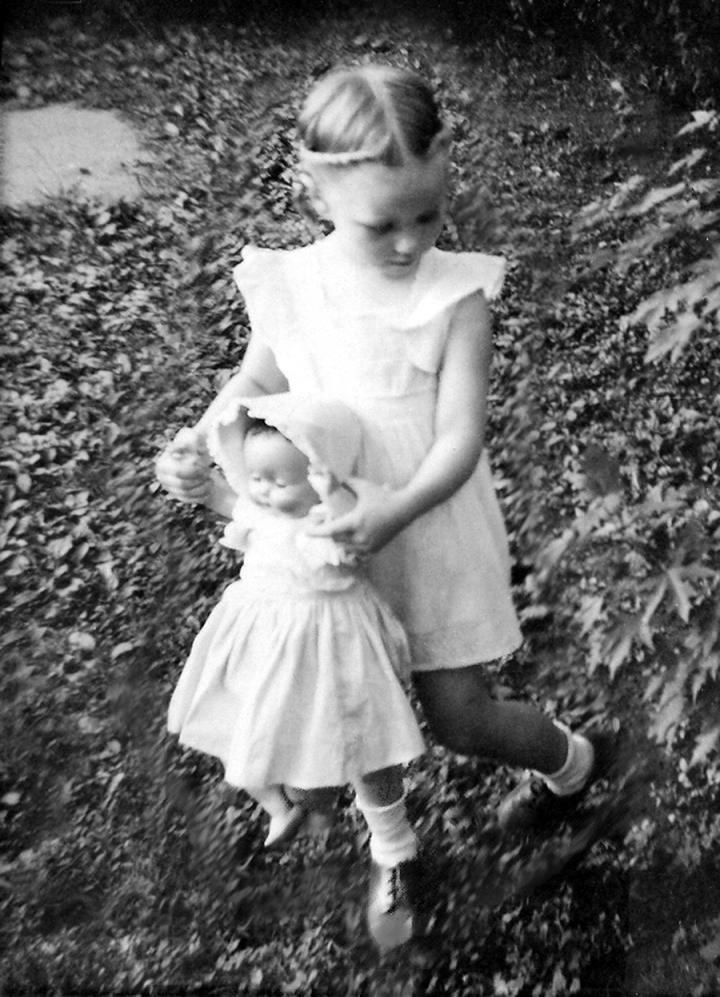 2_Anne&doll-Daisy-final_jpg