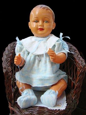 450px-Bébé_celluloïd_doll (1)